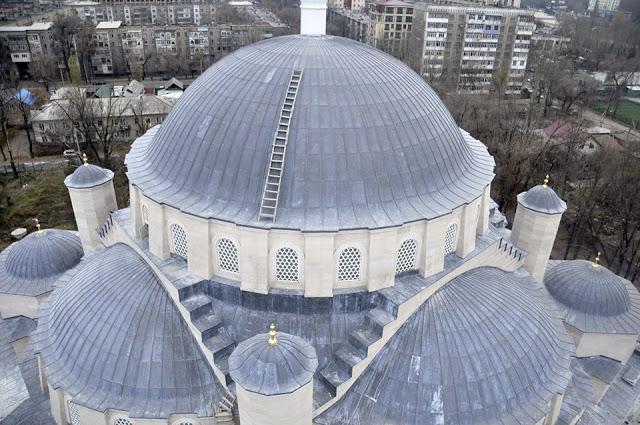 Photo of Бишкекте Орто Азиянын эң чоң мечити курулуп бүткөрүлдү (ФОТО)