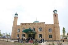 Photo of Муфтий Баткен районунун эки кабаттуу заманбап мечиттин ачылыш аземине катышты