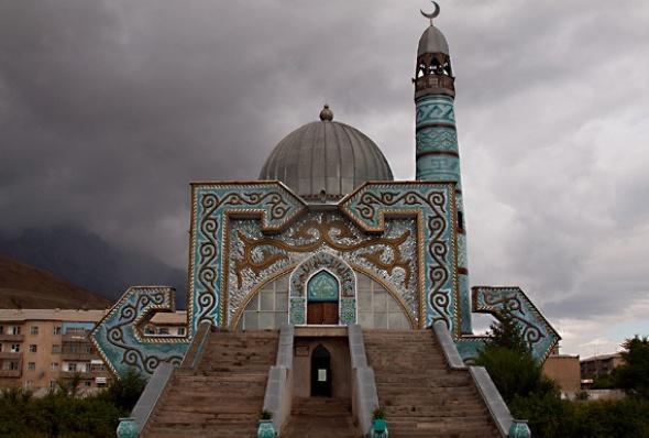 Photo of Кыргызстан дин эркиндиги боюнча мурдагы Совет өлкөлөрүнөн алдыда